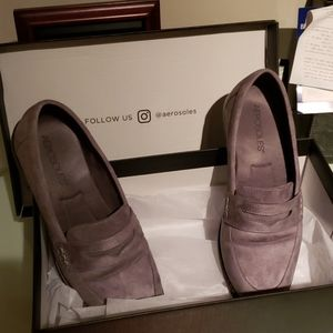 Aerosoles Gray suede loafers
